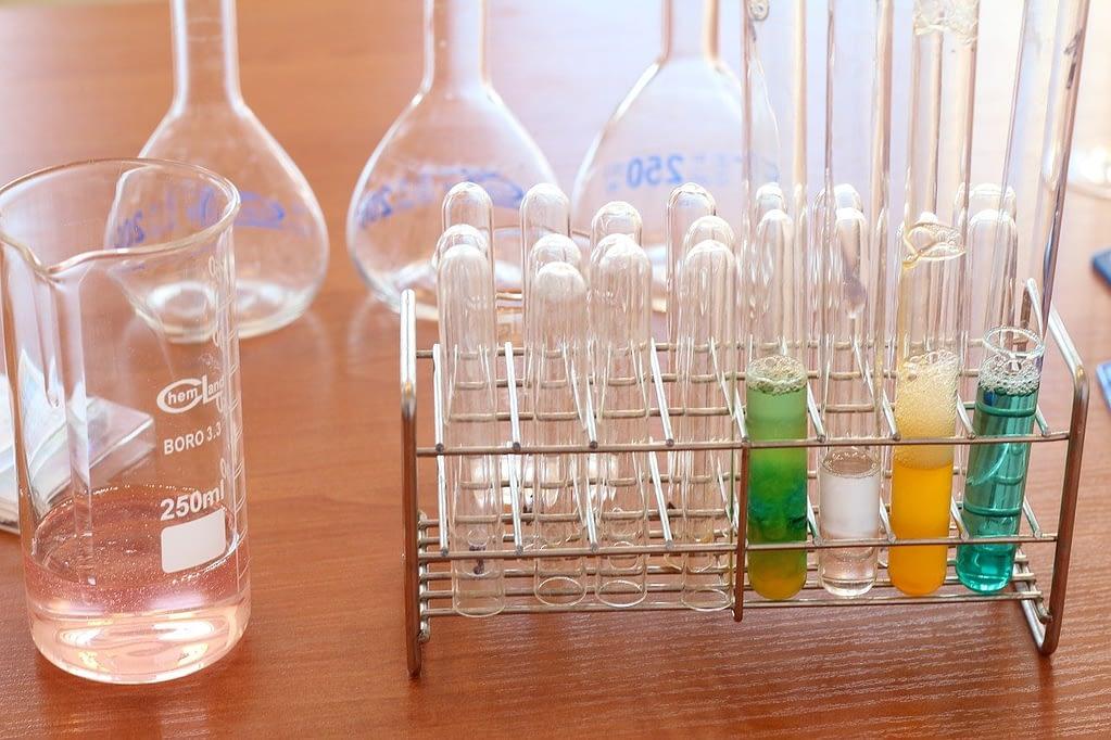 laboratory, chemistry, subjects-1009190.jpg